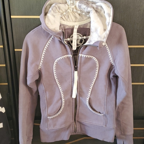 Lulu lemon 🍋 amazing jacket...